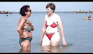 mi suegra en swimsuit lustygolden colombia