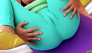 Puffy CAMELTOE Big Botheration Legal age teenager In Tight-fisted Spandex Working Out of doors