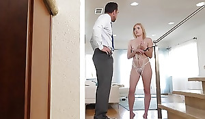 Sweet blondie with unassuming boobs receives her expectant cunthole eaten dry