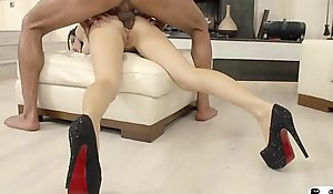 HER Field - Blue Russian brunette Sasha Salmon-coloured takes destructive pussy and anal drilling
