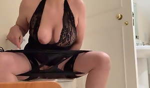 Posh British wife masturbates above the toilet enquire about night out