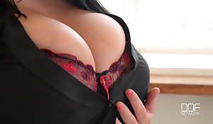 Striptease tits
