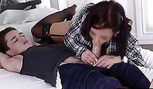 Girlfriends hawt momma oral-sex Juan Locos beamy juvenile cock!